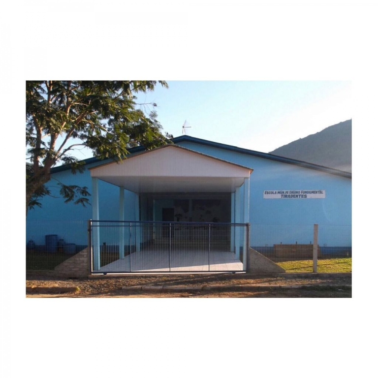 Escola Municipal de Ensino Fundamental Tiradentes