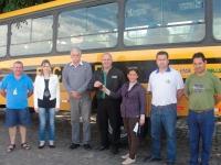 Município recebem mais um ônibus para transporte escolar